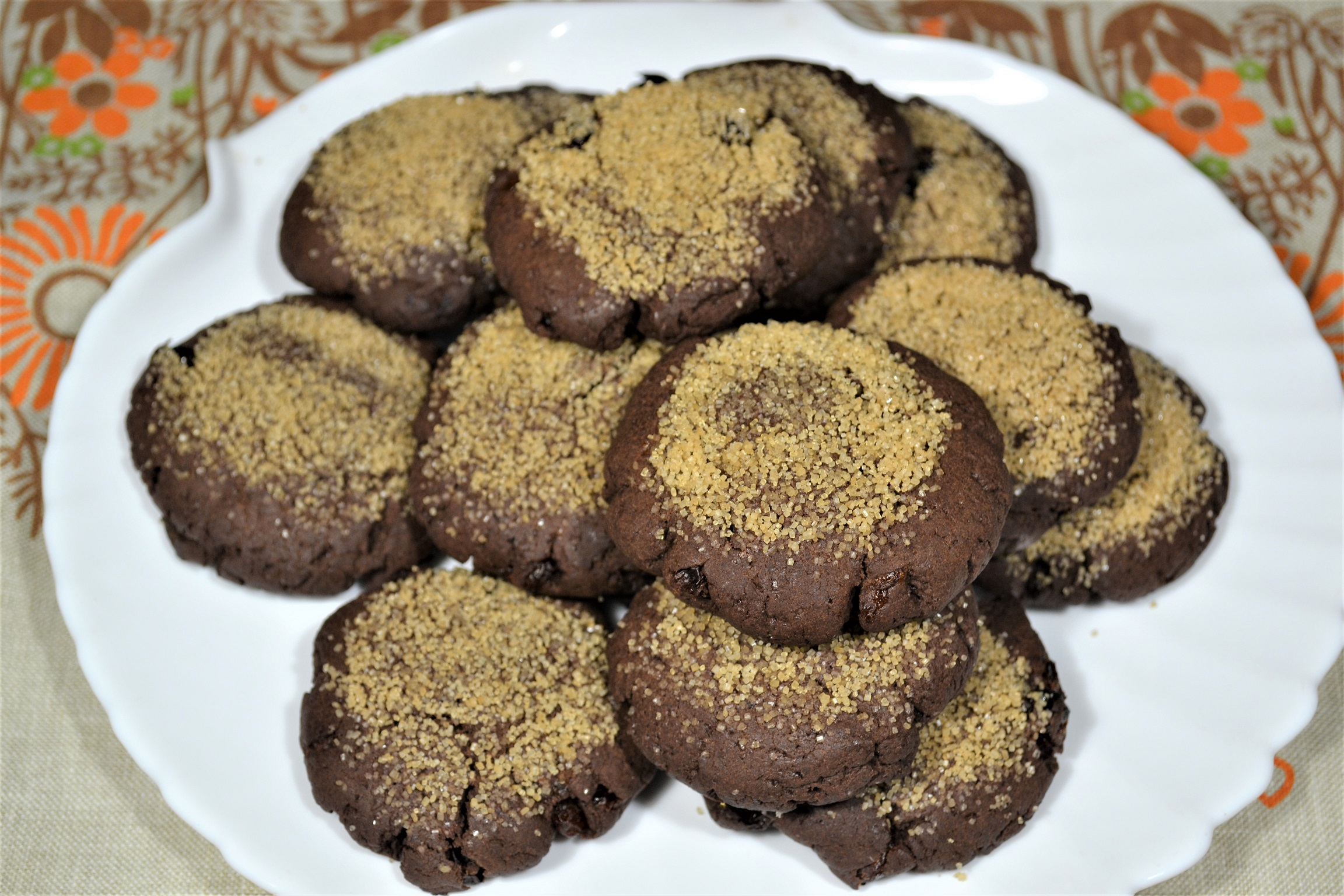 Easy Tasty Brownie Cookies with Cocoa Powder, Sunflower Oil, Brown Sugar and Raisin - Diet Cooking.